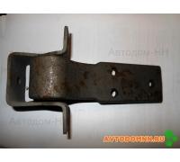 Петля водительской двери нижняя ПАЗ 3205-6406020